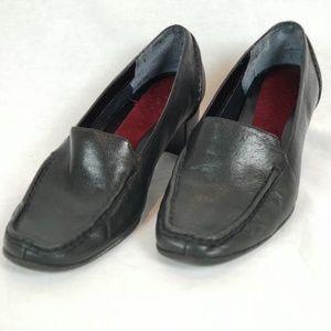 Aerosole Black ankle bootie size 8